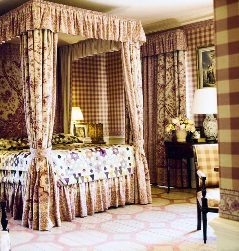 chambre-avec-lit-baldaquin
