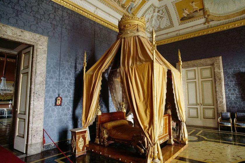 chambre-lit-baldaquin-francis-ii-of-bourbon-royal