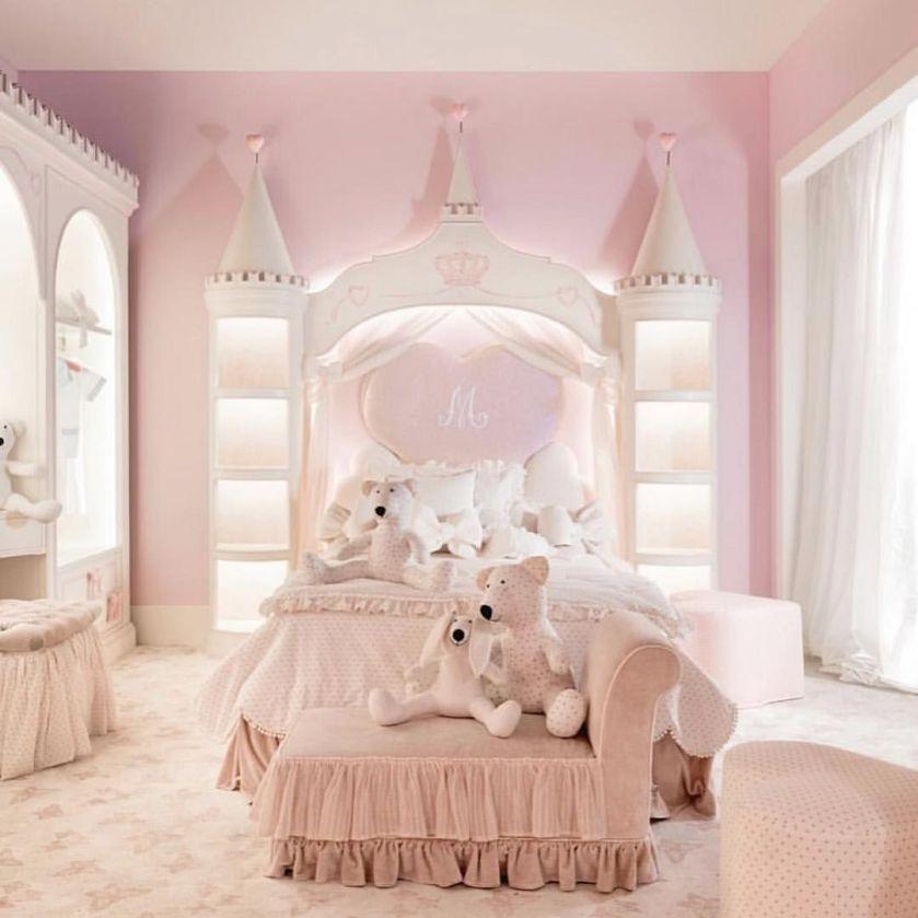 chambre-princesse-fille-chateau